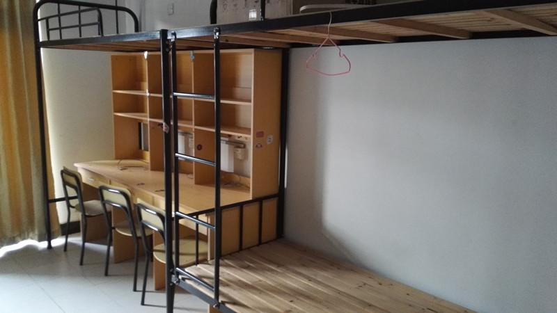 寝室实拍3